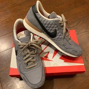 Nike Air Vortex VNTG Sneakers